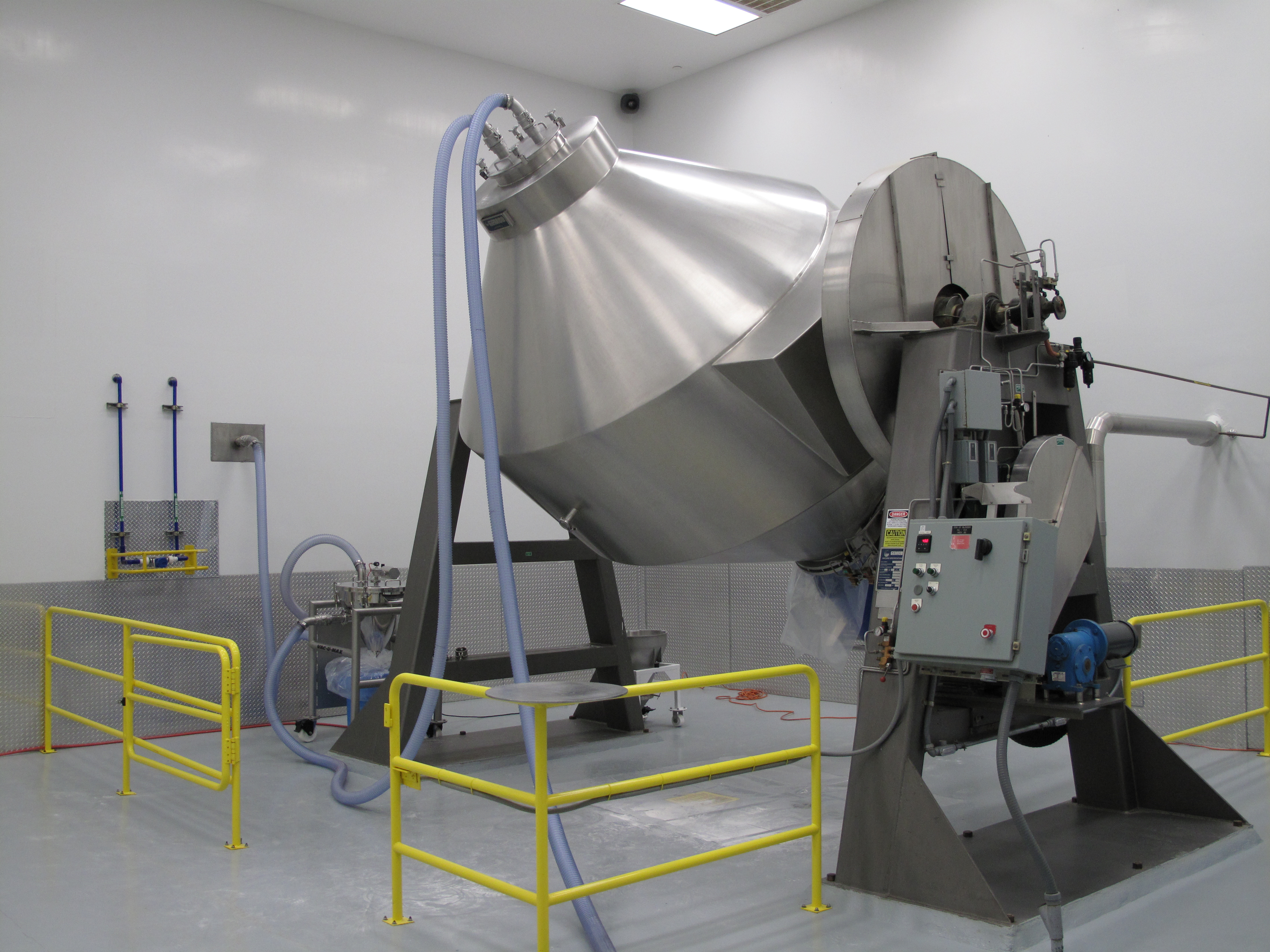 Vacuum Conveying System: Direct Charge Blender Loading